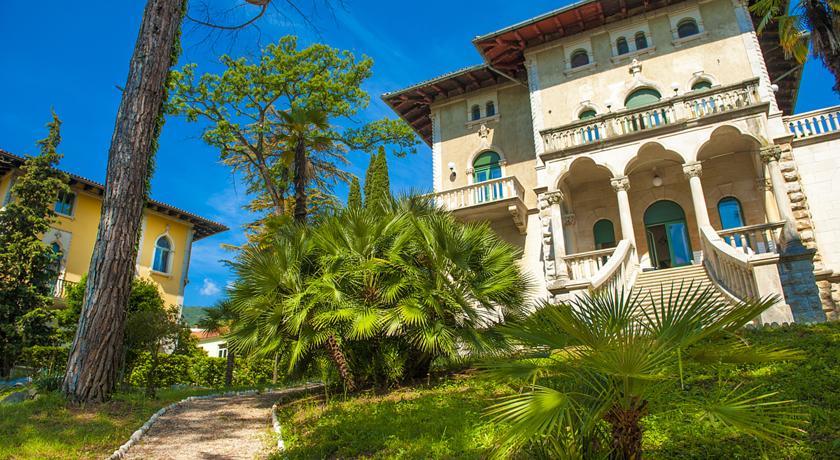 hotel-villa-astra.jpg